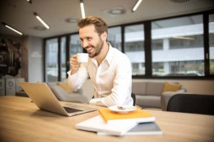 Cari Uang Di Shutterstock
