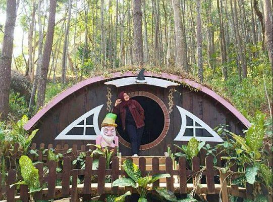 Rumah Hobbit Mangunan Jogja