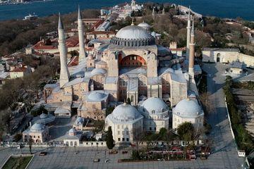 Perubahan Hagia Sophia Menjadi Masjid yang Kontroversial